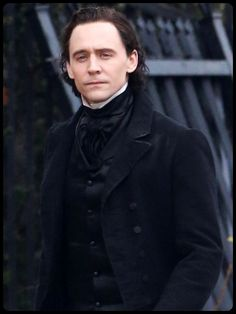 Crimson Peak - I am so stoked for this movie. Pan's Labyrinth was stunning and scary and soooo good.