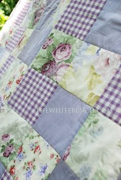 The White Bench: Ta Daaaaaaaaaaaa!! My Very First Quilt!