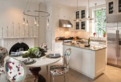 This is a perfect example of a gorgeous kitchen in a small space
