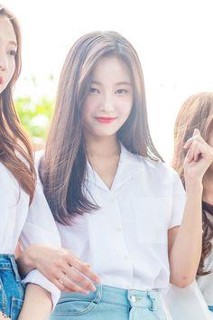 South Korean Girls, Korean Girl Groups, Nancy Jewel Mcdonie, Best Kpop, Business Outfits, Korean Singer, Kpop Girls, My Idol, Asian Girl