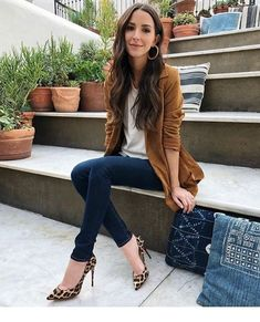 Nordstrom Jackets - Chaqueta gris busco gris jean y zapatos animal print Casual Work Outfits, Business Casual Outfits, Mode Outfits, Work Casual, Fall Outfits, Fashion Outfits, Womens Fashion, Fashion Tips, Business Attire