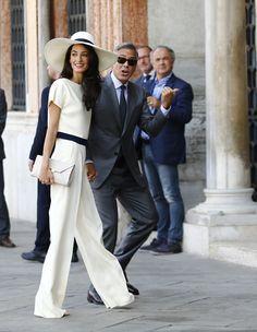 George Clooney and Amal Alamuddin sign wedding register - Photo 1 | Celebrity news in hellomagazine.com