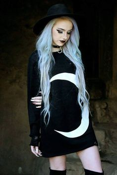 "Model Artiste: Angeline ""Angie"" Feuqua ""The Silver Moon Vixen"""