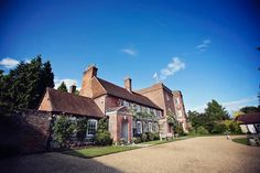 Floss & Tom's #Wedding at The Manor Barn