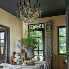 Une salle à manger qui s'habille grand style