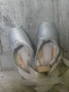 grey ballet pointe shoes