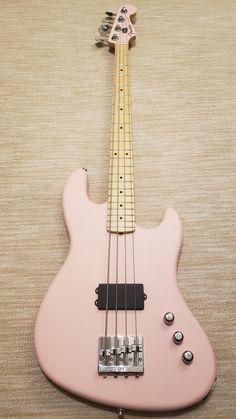 [NGD] Flea Signature Active Jazz Bass in shell pink Fender Bass Guitar, Bass Ukulele, Music Guitar, Guitar Amp, Cool Guitar, Guitar Notes, Custom Bass Guitar, Pink Guitar, Guitar Chords