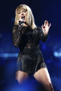 Taylor Swift performing at DirectTV's Super Saturday Night Taylor Swift Concert, All About Taylor Swift, Taylor Swift Hot, Live Taylor, Taylor Swift Style, Taylor Swift Wallpaper, Taylor Swift Pictures, Victoria Secret Fashion Show, Queens