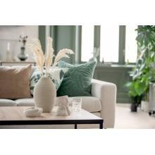 Vårens nyheter er i butikk! Friske farger, lekre mønster og trendy farger 😍 #kremmerhuset #interiør #nyheter #vår2021 #husoghjem #hjem #putetrekk #sofa #tekstil #inspirasjon #interior Vase, Throw Pillows, Bed, Toss Pillows, Cushions, Stream Bed, Decorative Pillows, Vases, Beds