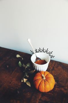 Pumpkin pie has got to be one of my all time favorite deserts. The combination of subtle sweetness and warm spice makes for the ultimate holiday dessert, and always reminds me of family and good times back home. I've been a super fan of any sort of mug cake this year(check out one of my