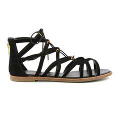Hoe leuk zijn deze zwarte gladiator sandalen met veters!? De speelse bandjes, gouden veterringetjes en de veters zorgen voor een boho effect. Achterop de hiel is een rits verwerkt, super handig want dan hoef je de veters niet steeds opnieuw te strikken!