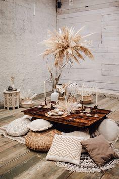Nordic Wedding, Bohemian Wedding Theme, Bohemian Wedding Inspiration, Picnic Decorations, Outdoor Wedding Decorations, Bride Groom Table, Bohemian Flowers, Sustainable Wedding, Wedding Table Settings