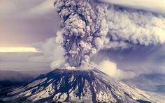 Es waren nur schwache Beben, die Seismologen unter der Erdoberfläche aufzeichneten. Dennoch können das Anzeichen dafür sein, dass der Vulkan sich räkelt. Forscher der amerikanischen Geologiebehörde…