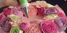 Предлагаем Вашему вниманию три варианта кремов для создания тех самых кремовых цветов!...