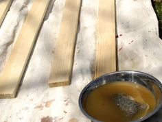 How to Create a Driftwood Finish - For the master bathroom renovation project I'm working on, I'm DIYing my own mirror frame in the driftwood finish that is so… Driftwood Stain, Driftwood Lamp, Wood Projects, Woodworking Projects, Outdoor Projects, Craft Projects, Painting Bathroom Cabinets, Deck Makeover, Easy Fall Wreaths