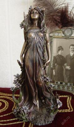 Art Nouveau Sculpture by Alphonse Mucha-Lily Mucha Art Nouveau, Alphonse Mucha Art, Belle Epoque, Form Design, Jugendstil Design, Art Nouveau Design, Wow Art, Art Moderne, Art Plastique