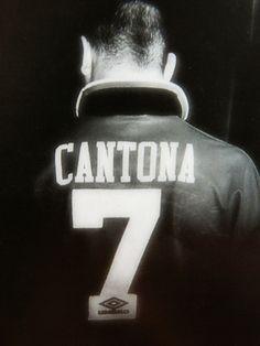 Eric The King Cantona. #7. Trop jeune pour l'avoir vu jouer mais ce joueur avait tout : talent, génie, du caractère et un peu de folie.
