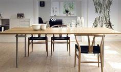 Asiento natural vs. asiento oscuro ¿Con la calidez de qué #silla #Wishbone te quedas? #deco #decoración #interiorismo #inspiración #chairs #madera