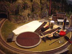HO Model Train Scenery Items from http://modelleisenbahn-figuren.com