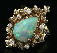 KGJ Heavy Vintage 14k Gold 3 09ctw Diamond Pear Opal Cocktail Ring