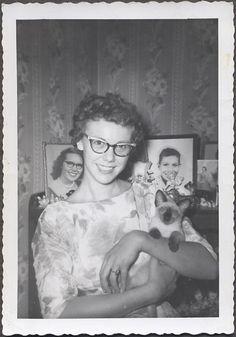 She and her siamese kitten are so adorable! Circa 1959.