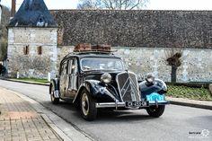 #Citroën #Traction au rassemblement du Printemps d'Acquigny Reportage : http://newsdanciennes.com/2016/03/29/rassemblement-printemps-dacquigny/ #Voiture #Ancienne #ClassicCars