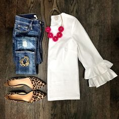 White ruffle sleeve top and leopard flats outfit | Transitional outfit from Summer to Fall