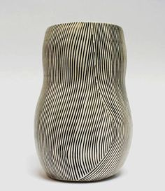 Shio Kusaka, lines contrast pattern-form interaction