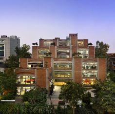 Regal Emporia in Greater Noida, Uttar Pradesh - e-architect Architecture Design, Architecture Drawing Plan, Retail Architecture, Indian Architecture, School Architecture, Building Exterior, Building Design, Building Development, Brick Arch