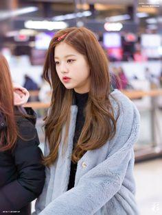 181130 GMP departure (to Japan) #izone #wonyoung