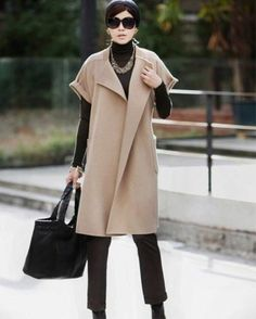 Coat with smell photos): without buttons, from the boat … - Season Outfits Work Fashion, Hijab Fashion, Fashion Dresses, Fashion Looks, Vestidos Chiffon, Sleeveless Trench Coat, Mode Top, Schneider, Winter Coats Women