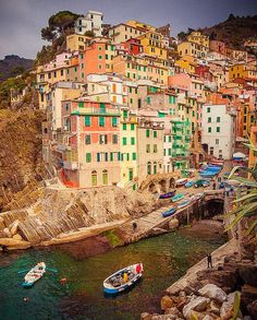 Riomaggiore / Cinque Terre, Italy by octokat Places Around The World, Oh The Places You'll Go, Places To Travel, Places To Visit, Beautiful World, Beautiful Places, Cinque Terre Italy, Italy Italy, Toscana