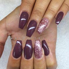 Påfyllning med roséglitter och Stylish Brown 075 från Semilac/ www.nagelbutiken.se ✨