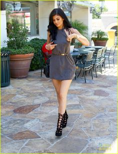 girl fashion outfit style clothes shoes high heels beauty hair eyes lips king kylie jenner kylizzle