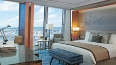 Deluxe City View Room #shangrilalondon vossy.com