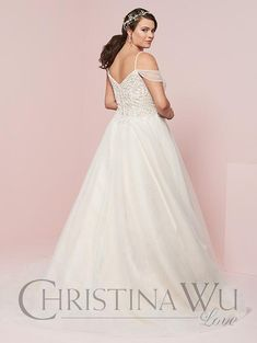 Christina Wu, Best Gowns, Gown Skirt, Curvy Bride, Horsehair, Plus Size Wedding, Wedding Moments, Style Guides, Wedding Gowns