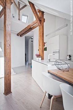 Beautiful exposed wood beams. Attic renovation, Gliwice, 2014 - Superpozycja Architekci