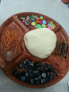 Do you want to build a snowman? Frozen inspired playdough experience.