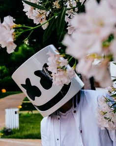 Sigueme como Mïldrëd Røjäs, solo un click & listo, se que te gustara mi contenido. Dj Marshmello, Marshmello Wallpapers, Dancer Problems, Youre Crazy, Electro Music, Edm Music, Best Dj, Song Artists, Cute Cartoon Wallpapers