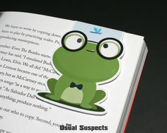 Do you like hopping around your textbooks? Never frog-get your place again with this toad-ally adorable bookmark. All your friends will be green with envy when they see him hanging out at your pad. Ne