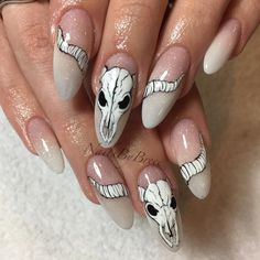 Want more? Follow pinterest ✧April_Insane I don't own this photo! Pic by nailsbybreee. Witchy Nails, Goth Nails, Skull Nails, My Nails, Goth Nail Art, Skull Nail Art, Western Nails, Halloween Acrylic Nails, Fire Nails