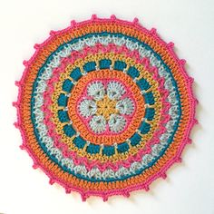 AFRICAN FLOWER MANDALA - FREE PATTERN - NEW *Jan. 12, 2016 --- By Mobious Girl Design