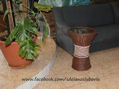 Кофейный столик из газетных трубочек