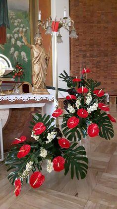 Christmas Villages, Christmas Wreaths, Christmas Tree, Church Altar Decorations, Floral Arrangements, Flamingo, Holiday Decor, Rose, Home Decor