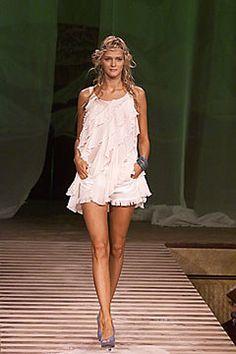 Jean Paul Gaultier Spring 2000 Ready-to-Wear Fashion Show - Jean Paul Gaultier, Carmen Kass (SILENT)