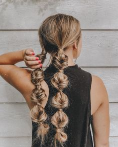 Smooth Subtle Fade - 30 Short Ombre Hair Options for Your Cropped Locks in 2019 - The Trending Hairstyle Diy Cabelo, Cabelo 3c 4a, Summer Hairstyles, Pretty Hairstyles, Girl Hairstyles, Hairstyle Ideas, Bob Hairstyle, Everyday Hairstyles, Easy Hairstyles
