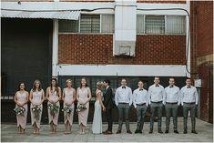 Marno & Jaunmari se industriële troue Industrial Wedding, Van, Vans, Vans Outfit