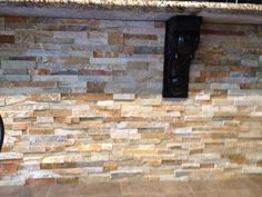 Stacked Stone On Island Gorgeous Colors And Would Be Beautiful With Our Red Theme Stacked Stone Backsplashstacked Stoneskitchen