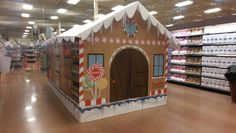 Coke, Gingerbread house