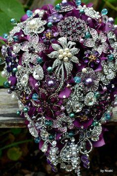 New ideas jewerly bridal bouquet bling Bouquet Bling, Teal Wedding Bouquet, Wedding Brooch Bouquets, Diy Bouquet, Purple Wedding, Wedding Flowers, Dream Wedding, Boquet, Purple Brooch Bouquet